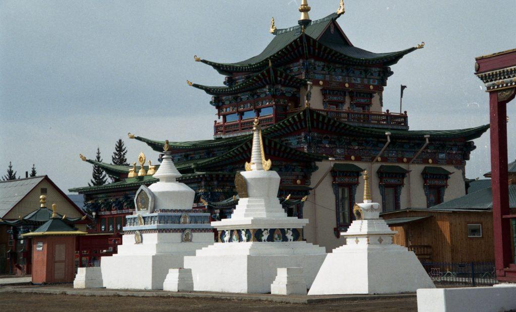 Między Buddą a Wielkim Tengri – szkic historyczny